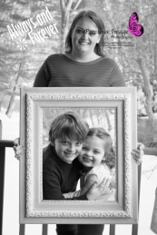 mom holding frame and kids in millersville, pa