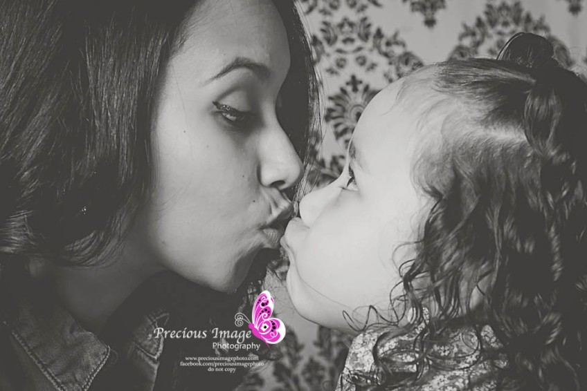 adorable kiss mom and me in lancaster, pa
